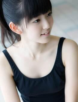 泳池边—市场_铃木爱理还是那么清纯可爱(16张)
