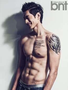 韩国肌肉美男金耀涵写真图片