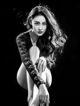 宅男女神标准长腿-女神张馨予黑色蕾丝秀