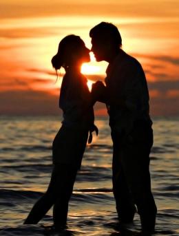 唯美浪漫爱情主题桌面壁纸,甜蜜的相拥,温暖的执手