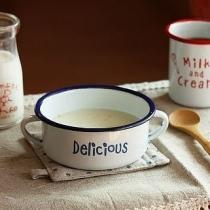 早上好啊,来一杯牛奶吧-以牛奶,杯子为背景的图片