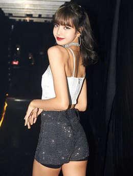 泰国籍女歌手Lisa最新个人写真、舞台照、生活照图集