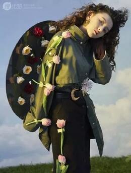 明星羊毛卷发型图片欣赏,自带叛逆感,复古又摩登