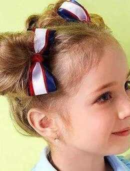 双丸子头小女孩发型图片集,不单可爱还有点俏皮