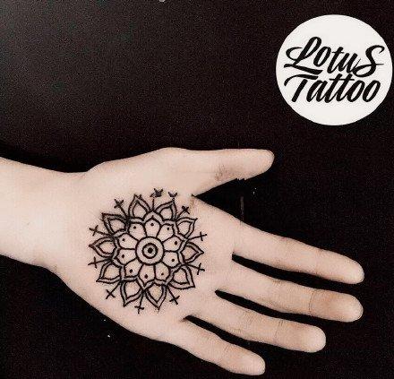 掌心里的温柔,手掌刺青纹身图案,愿大家被温柔以待套图1