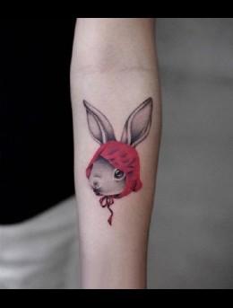 可爱兔子,猫咪,浣熊,河豚等小动物女生手臂纹身图案