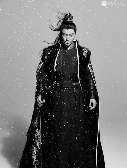 贾乃亮高扎马尾古装造型写真图片,仗剑雪中行,霸气尽显