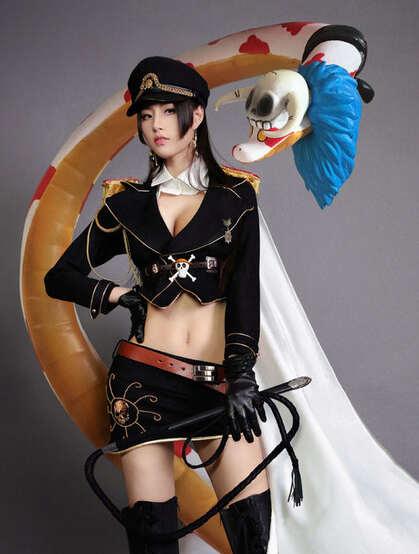 大长腿性感美女COS海贼王角色人物女帝波雅·汉库克摄影图片