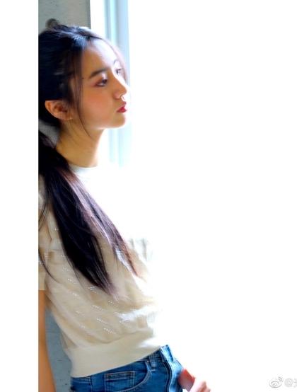 木村光希长发及腰甜美写真照片