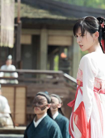 张予曦玄幻电视剧《琉璃》精选超美古装造型图片合集