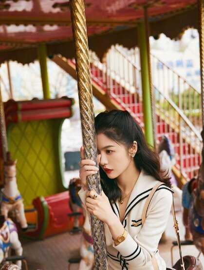 蔡文静游乐园可爱写真图片