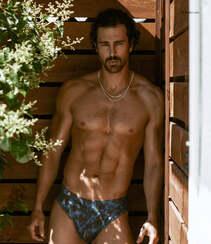 巴西男模Clint Mauro夏日泳池写真显完美身材腹肌图片组图7