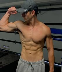 欧美帅气阳光的年轻男模帅气自拍 显完美身材腹肌图片