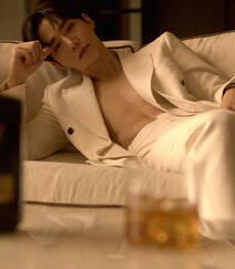 李俊昊霸道总裁范十足真空西服套装着身帅气写真套图组图1