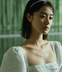 梁颂晴不同颜色风格裙装穿搭,或冷艳,或清冷,或活泼写真图片