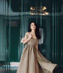 赵丽颖华美浪漫的礼服穿搭优雅性感写真图片组图6