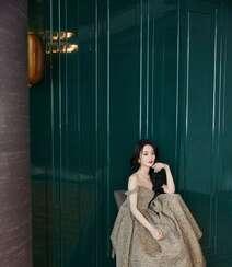 赵丽颖华美浪漫的礼服穿搭优雅性感写真图片组图8