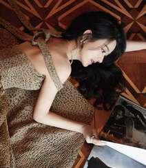 赵丽颖华美浪漫的礼服穿搭优雅性感写真图片组图10