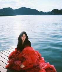 欧阳娜娜,张子枫一起拍写真,宛如姐妹闺蜜般亲密无间,青春气息十足组图9