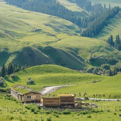 蓝蓝的天,绿绿的草,新疆琼库什台大草原唯美风光景色图片
