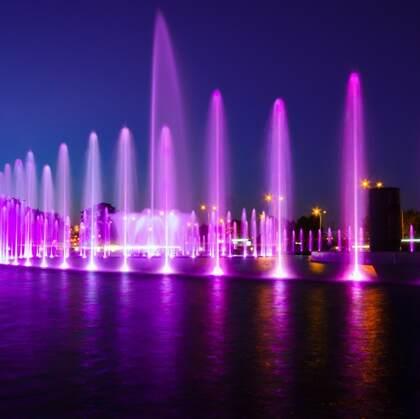 水美的艺术,光、色、形俱美的城市音乐喷泉唯美背景图片