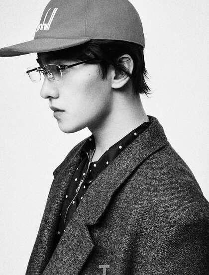 杨洋风格百变穿搭登9月刊杂志写真,用自信气场诠释多面型人物性格